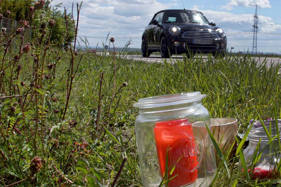 Auto kracht in Gruppe, junger Mann stirbt: So lange muss der Todes-Fahrer in den Knast