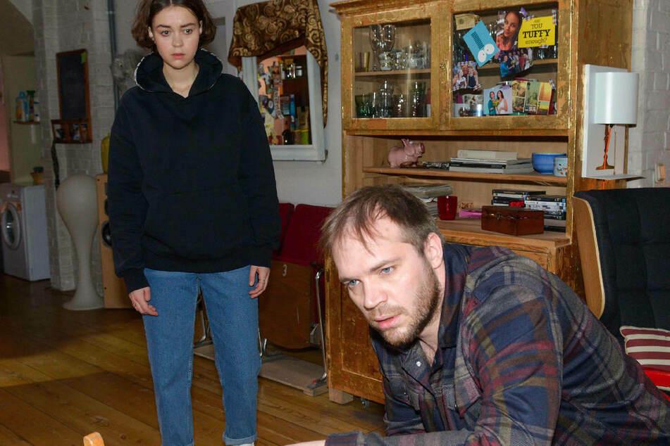 Merle ist nach Eriks Alkohol-Absturz entsetzt über den desolaten Zustand ihres Vaters.