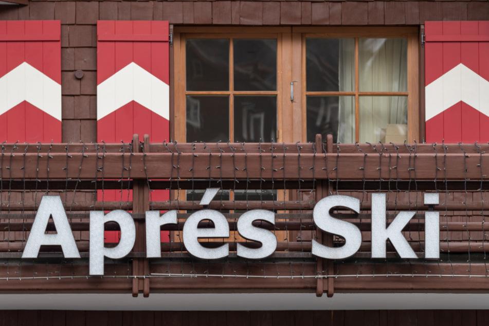 Eine Apres-Ski-Bar im Touristenort Ischgl