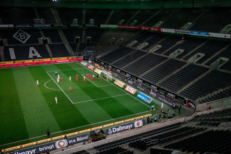Wie ein Geisterspiel aussieht, zeigte die Partie Borussia Mönchengladbach gegen 1. FC Köln im März.