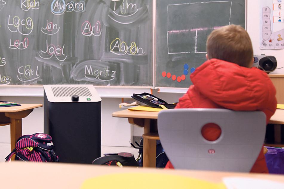 Dresden: Nach Stadtratsbeschluss: Wo bleiben die Lüfter und CO2-Ampeln für Schulen?