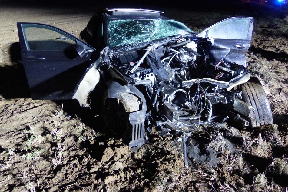 80.000-Euro-Mercedes nach Unfall total zerstört, aber wo ist der Fahrer?