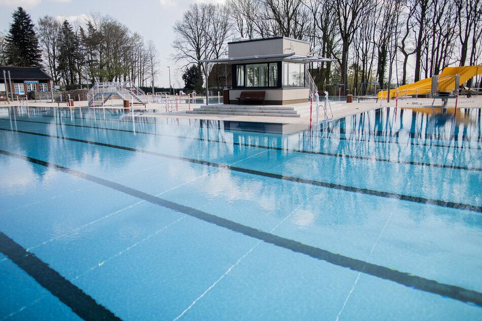 Wenn ab kommendem Mittwoch die Freibäder in NRW wieder öffnen dürfen, wird angesichts von Corona-Auflagen kein normaler Schwimmbetrieb möglich sein.