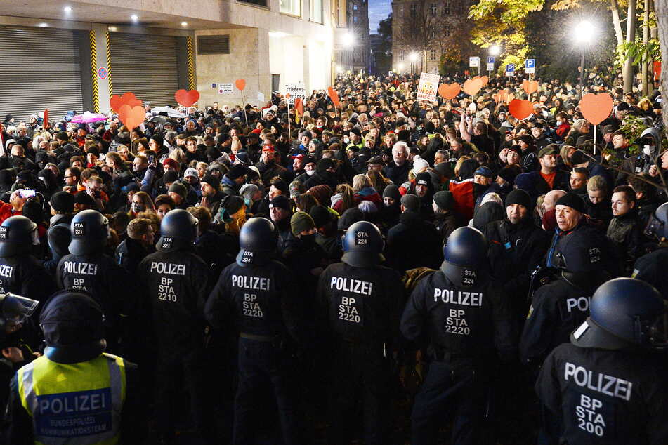 Soko LinX ermittelt: Versuchtes Tötungsverbrechen nach Corona-Demo in Leipzig