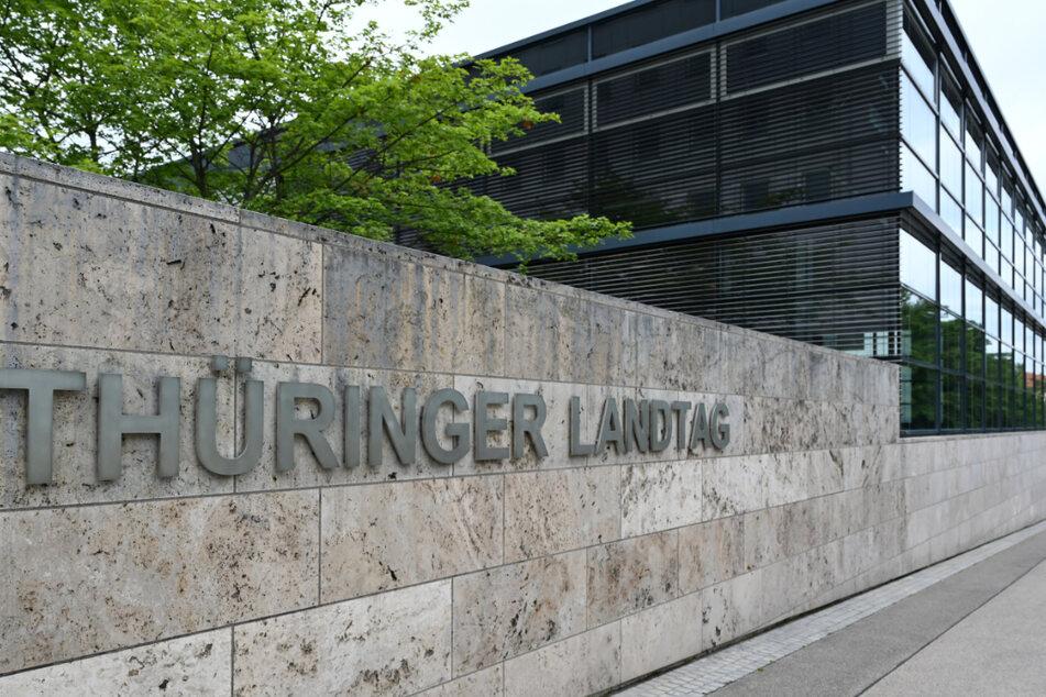 Das Gezerre nimmt kein Ende. Bereits am heutigen Freitag könnte die Entscheidung fallen, ob der Thüringer Landtag aufgelöst wird oder nicht.