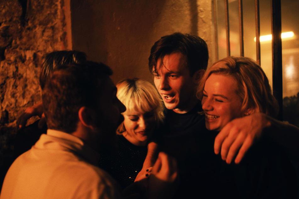 """Schnelles Leben, Party machen: In """"Je Suis Karl"""" werden einige Klischees bedient."""