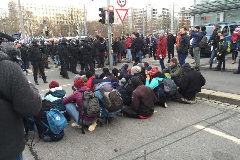 """Zu Sitzblockanden wie dieser ruft das Bündnis """"Dresden nazifrei"""" dieses Jahr wegen der Pandemie nicht auf."""