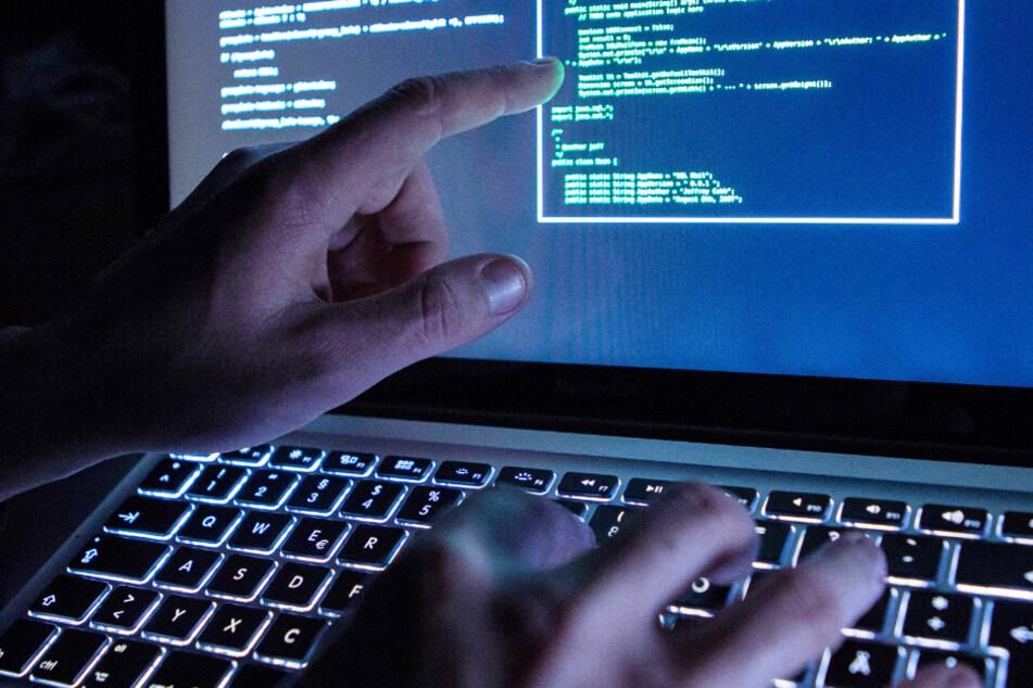 Das Opfer gewährte den Betrügern über eine Software Zugriff auf seinen Computer (Symbolbild).