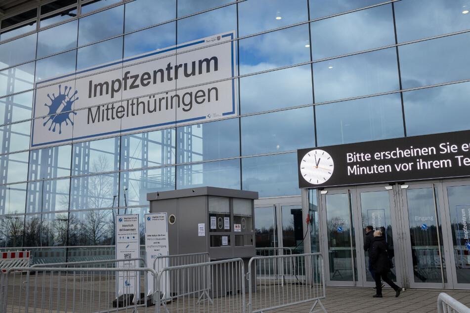 Auf dem Erfurter Messegelände ist das Impfzentrum Mittelthüringen untergebracht. Hier fallen rund 250.000 Euro Mietkosten pro Monat an.