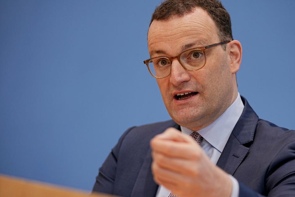 Coronavirus: Spahn hält EU-Sommerurlaub nicht von Impfung abhängig