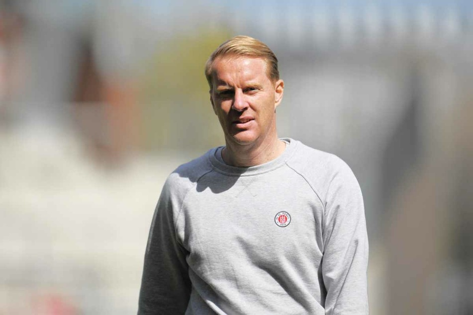 Timo Schultz (43), Trainer des FC St. Pauli, ist mit der bisherigen Saisonvorbereitung seiner Mannschaft zufrieden. (Archivbild)