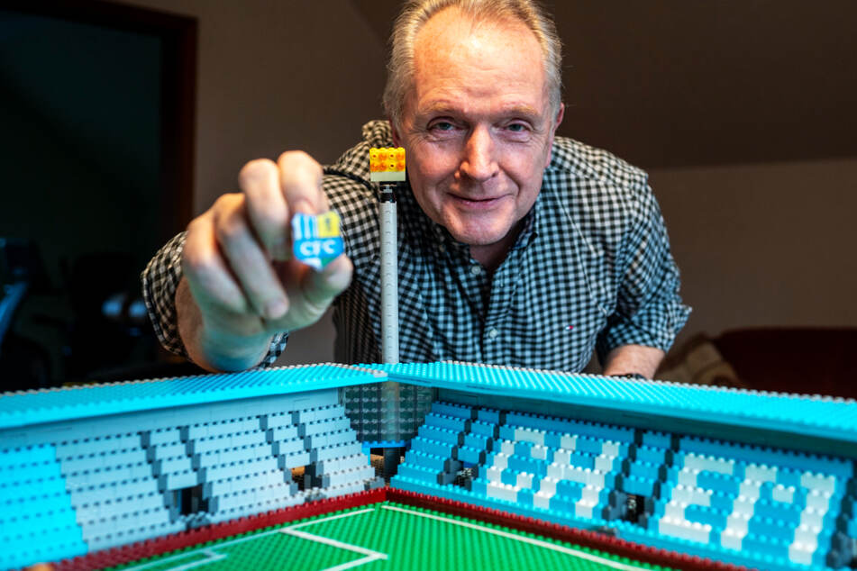 Achtung, Verwechslungsgefahr! Chemnitzer baut sich eigenes CFC-Stadion aus Lego