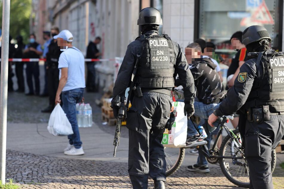 Die Polizei war am Donnerstagabend mit vielen Kräften im Leipziger Osten vor Ort.