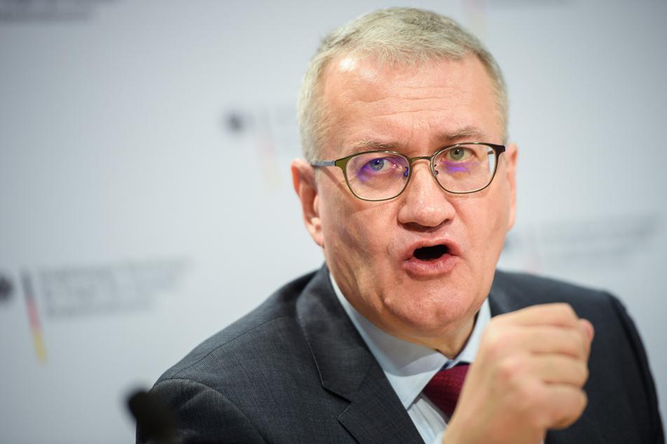 """Matthias Katsch (58) ist Sprecher der Initiative """"Eckiger Tisch""""."""