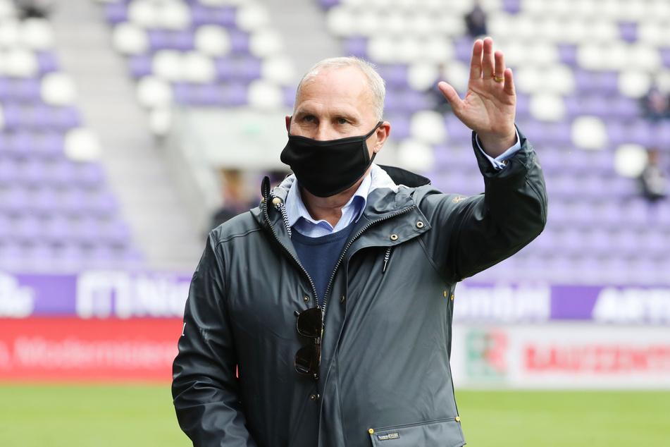 """""""Bei uns ist das möglich"""", sagt Aue-Boss Helge Leonhardt zum möglichen Transfer."""
