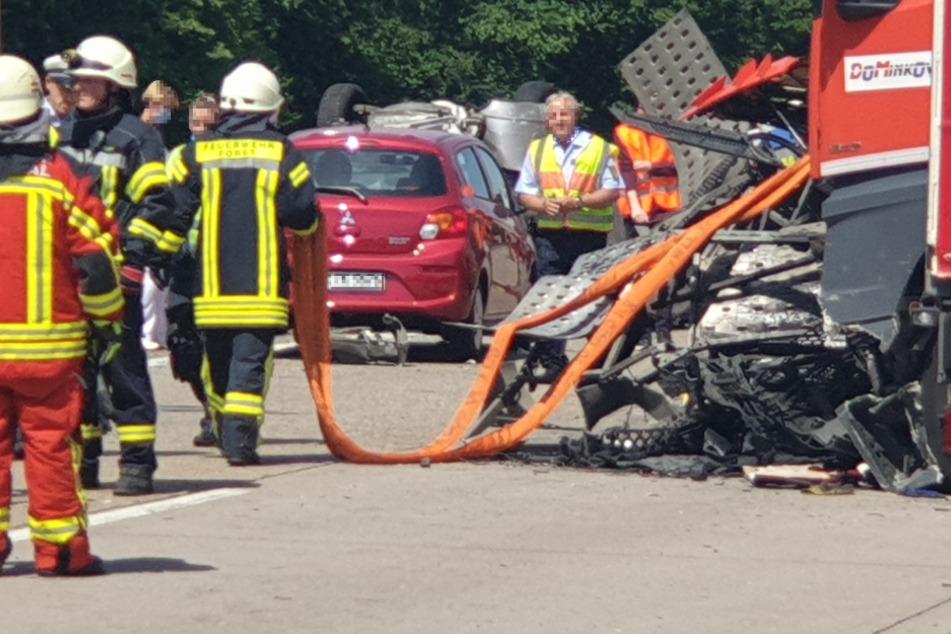 Mehrere Lastwagen in Unfall verwickelt: Autobahn 5 gesperrt