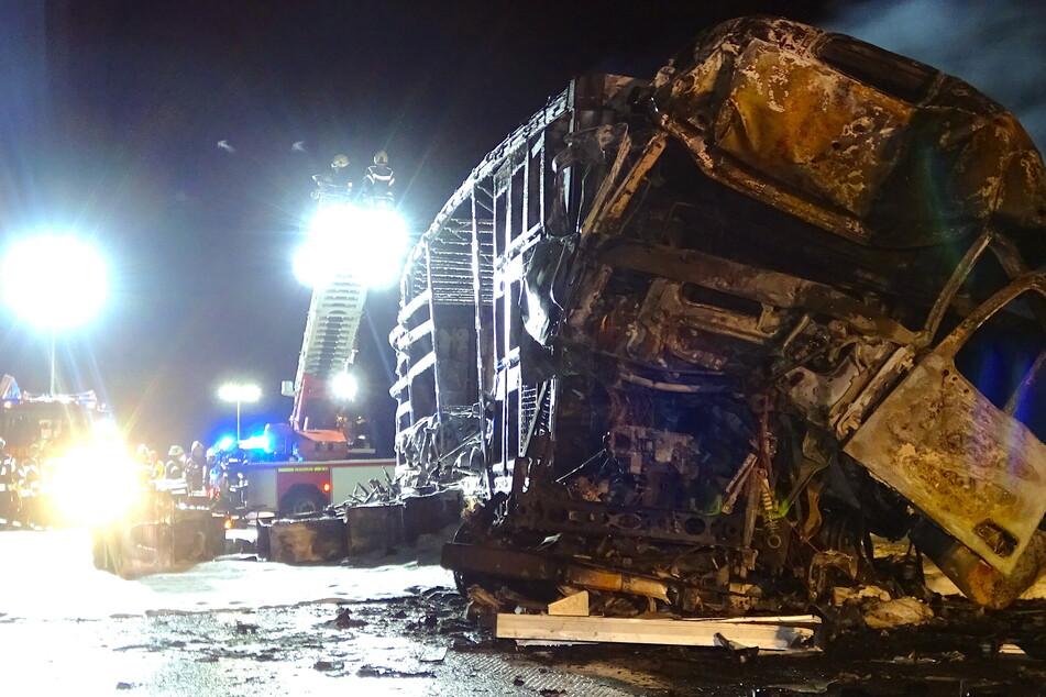 Bei diesem A14 Unfall sorgten die Bergungs- und Sanierungsarbeiten für eine stundenlange Vollsperrung (Foto: Matthias Strauss/dpa).