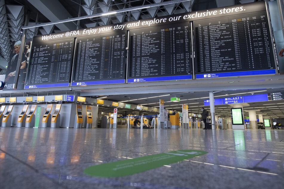 Gesundheitsamt legt fest: Mundschutz-Pflicht am Flughafen Frankfurt