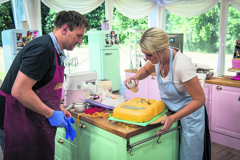 Nicht schlecht, aber nicht gut genug! Die Kuchen-Arbeiten des Sachsen konnten die TV-Jury nicht überzeugen.