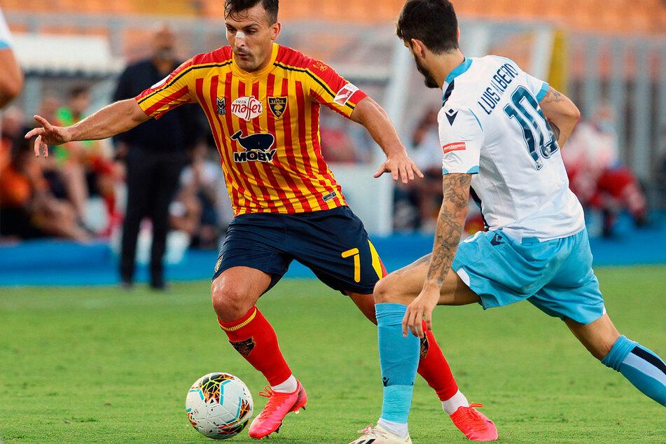 Die Partie zwischen Lecce und Lazio endete letztlich mit 2:1, aber im Vordergrund stand statt dem Ergebnis vor allem das Gebiss von Patric (nicht im Bild).