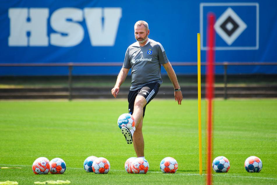 HSV-Trainer Tim Walter (45) hat aktuell keine einsatzfähige Mannschaft.