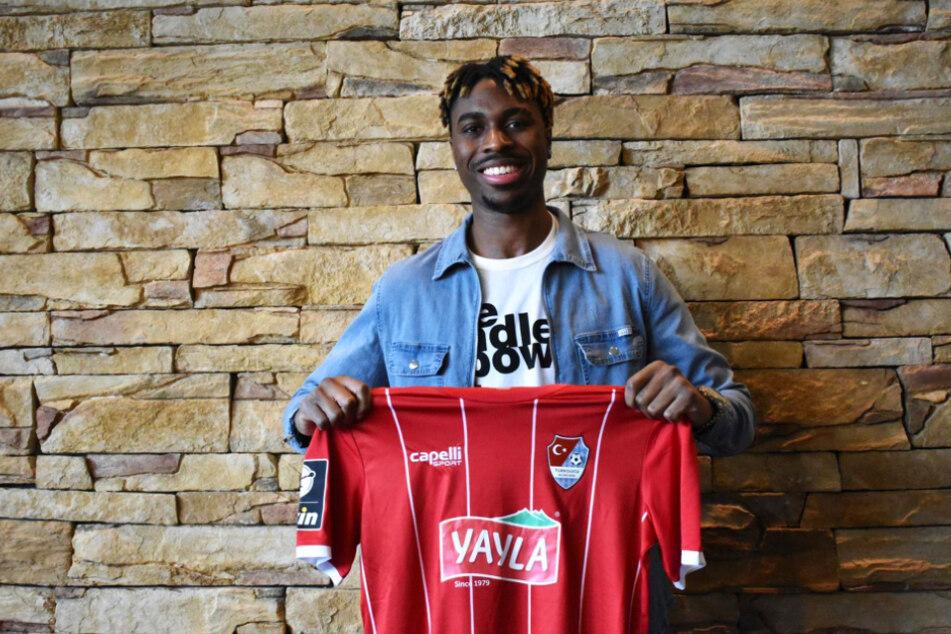 Innenverteidiger Maxime Awoudja (22) wechselt bis zum Saisonende auf Leihbasis vom VfB Stuttgart zum Drittligisten Türkgücü München.