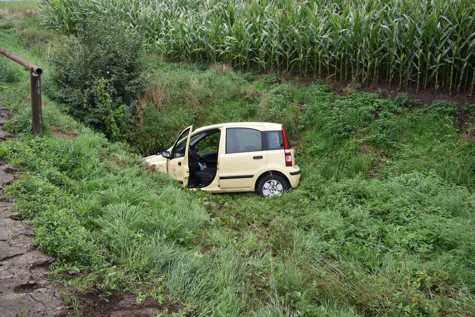 Am Dienstagmorgen landete ein Auto auf der L42 im Straßengraben.