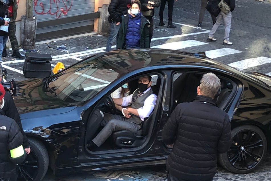 """Hollywood-Star Tom Cruise (58, M) dreht für einen neuen """"Mission Impossible""""-Film in den engen Innenstadtgassen des Viertels Monti in Rom."""