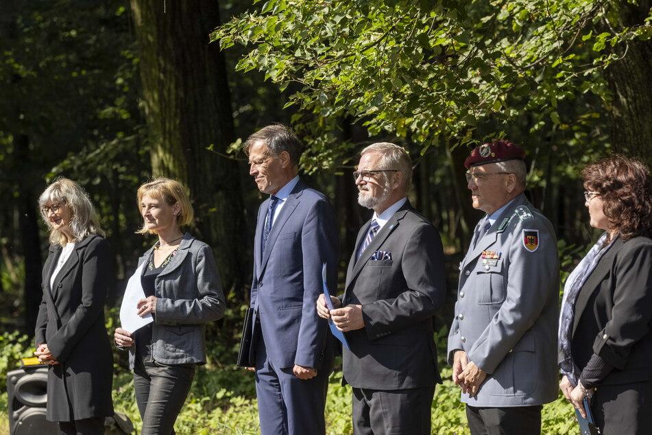 Sächsische Politiker, Bundeswehrsoldaten und Vertreter der serbischen Botschaft nahmen an der Zeremonie teil.