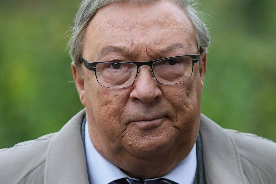 """Der Schauspieler Jaecki Schwarz (seit heute 75) hier als Kommissar Herbert Schmücke während Dreharbeiten zum Krimi """"Polizeiruf 110""""."""