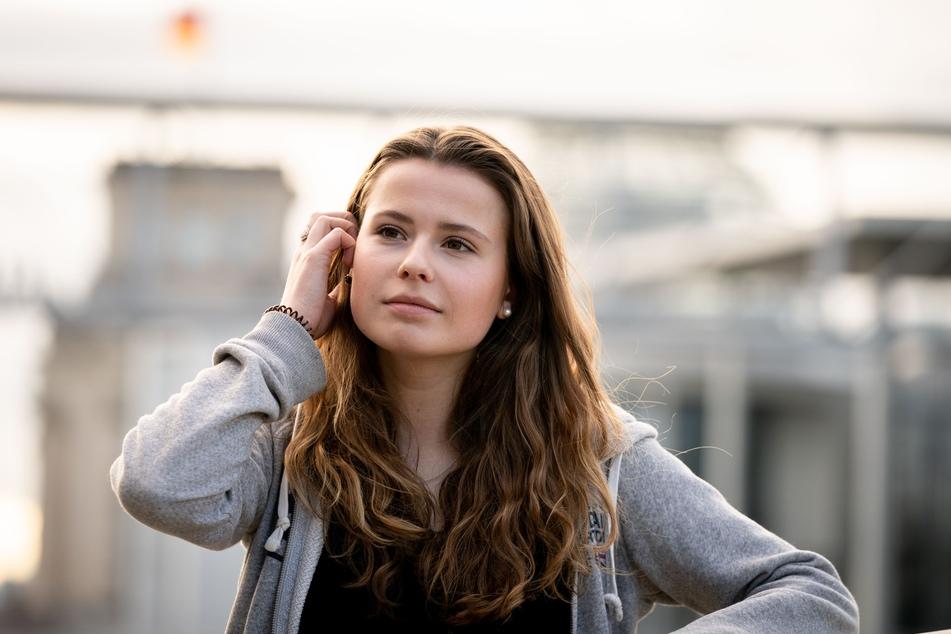 Luisa Neubauer am Rande einer Pressekonferenz in Berlin