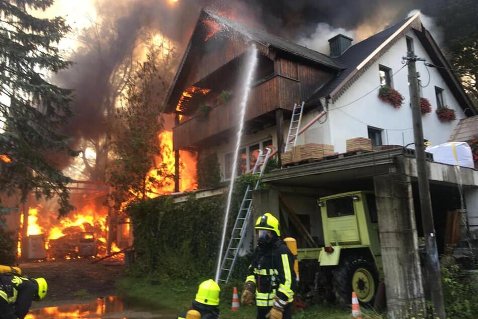 Da war nichts mehr zu retten: Durch Brandstiftung wurde ein Dreiseithof zerstört.