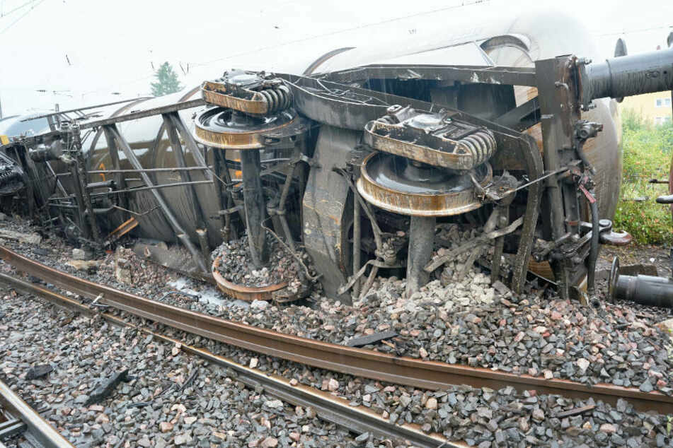 Entgleister Güterzug: Bahn rechnet mit längerer Strecken-Sperrung