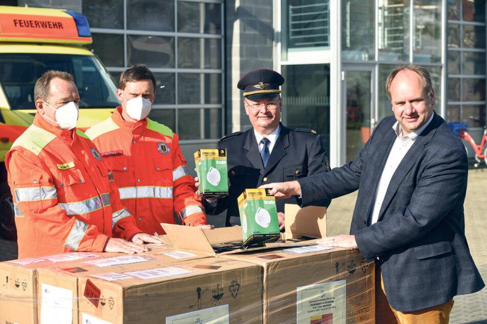 Gestern trafen weitere Atemschutzmasken aus China ein, die Dresdner erhalten könnten.