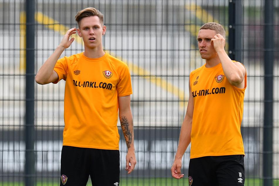 Luca Herrmann (22, r.) - hier beim Frisuren-Check mit Julius Kade (22) - kann wohl bald wieder für Dynamo auf dem Platz stehen.
