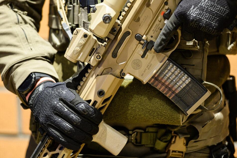 Verdacht auf scharfe Waffen: SEK-Einsatz in Halle