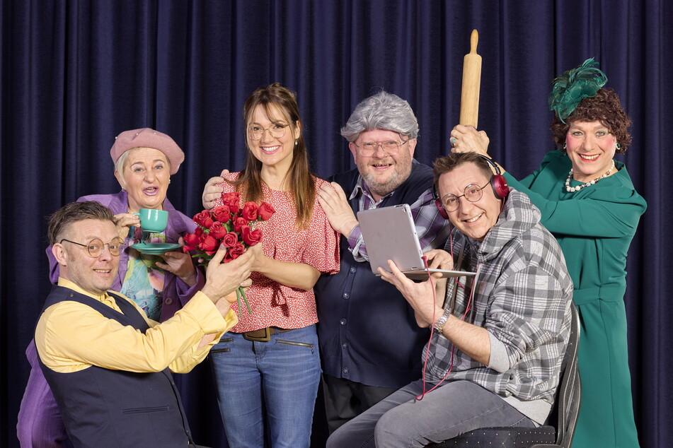 Hauchen den Neumanns aus dem Radio Leben im Radeberger Biertheater ein: Thomas Rauch (49), Gabi Köckritz (58), Lydia Ernst (41), Holger Blum (56), Thomas Böttcher (56) und Jens Albrecht (53, v.l.).