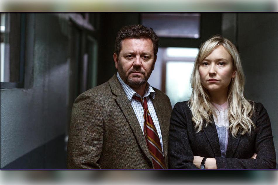 Detective Mike Shepherd (Neill Rea) und seine Kollegin Kristin Sims (Fern Sutherland) ermitteln in den Wäldern von Brokenwood.