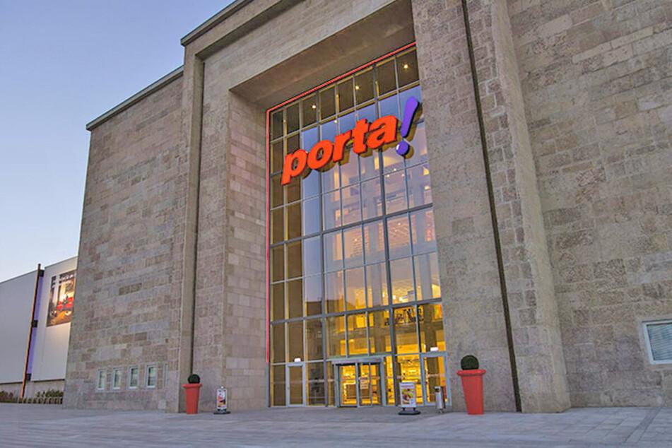 Möbelhaus in Leipzig lässt bis 13.3. nur mit Termin rein und startet krasse Aktion