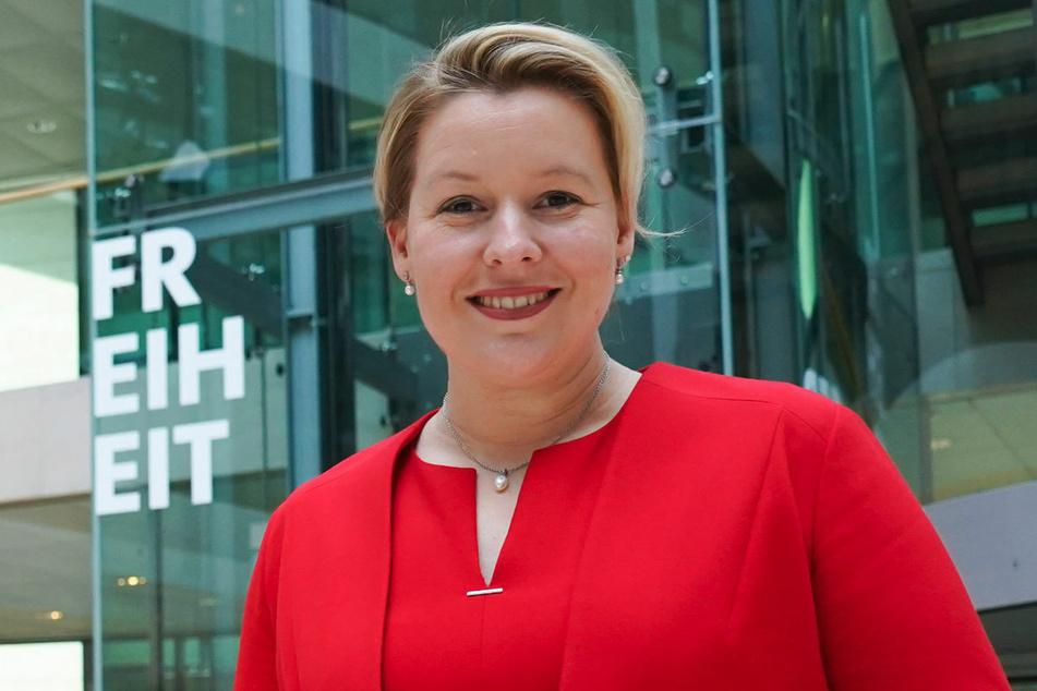 Bundesfamilienministerin Franziska Giffey (42, SPD) hat sich gegen Änderungen bei der Reihenfolge der Corona-Impfungen ausgesprochen.
