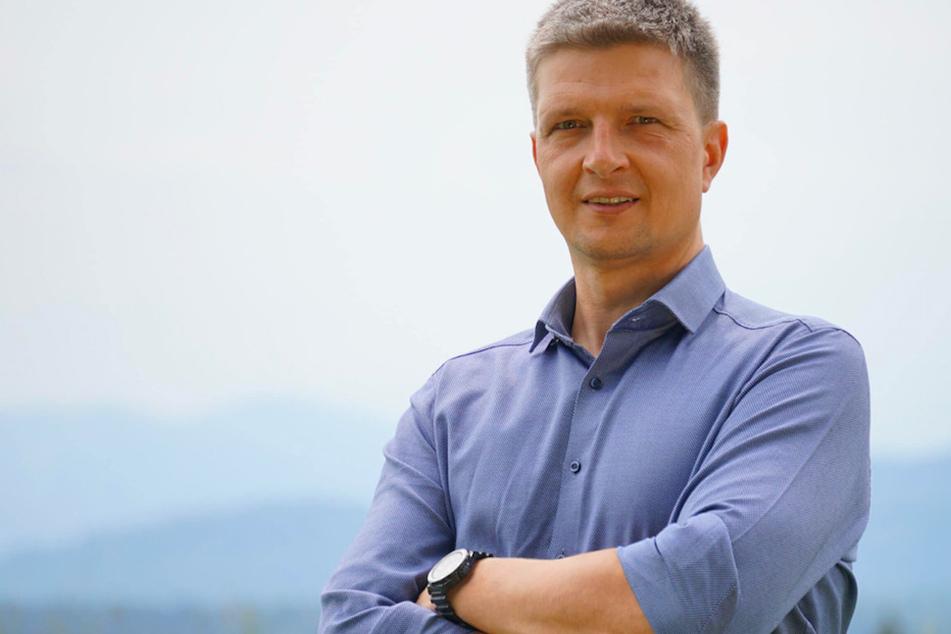 Der Grünen-Landtagsabgeordnete Hans Urban (43) bestreitet die Vorwürfe der Nötigung und falschen Verdächtigung.