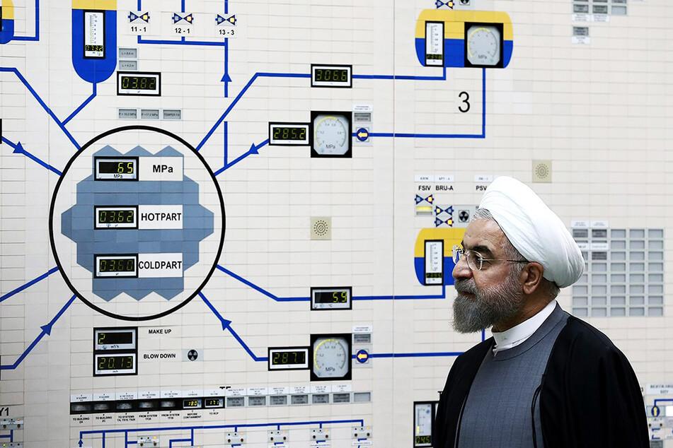 Hassan Ruhani, Präsident des Iran, in einem Atomkraftwerk.