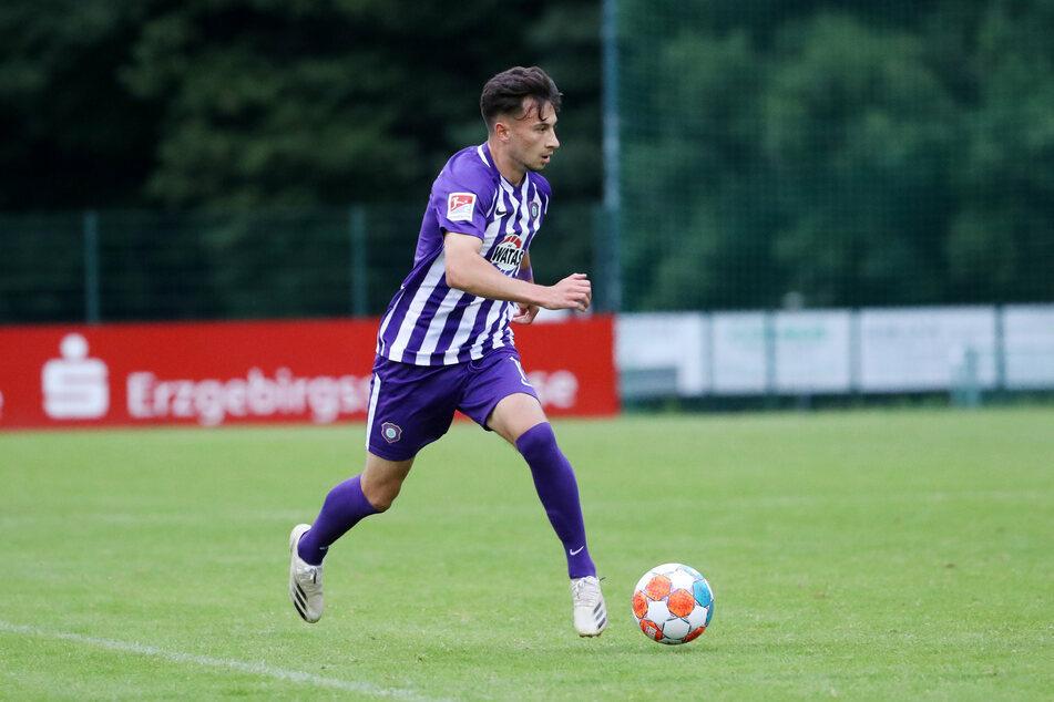Offensivspieler Nicolas Kühn (21) wird wegen einer muskulären Verletzung nicht gegen den FC St. Pauli auflaufen können.