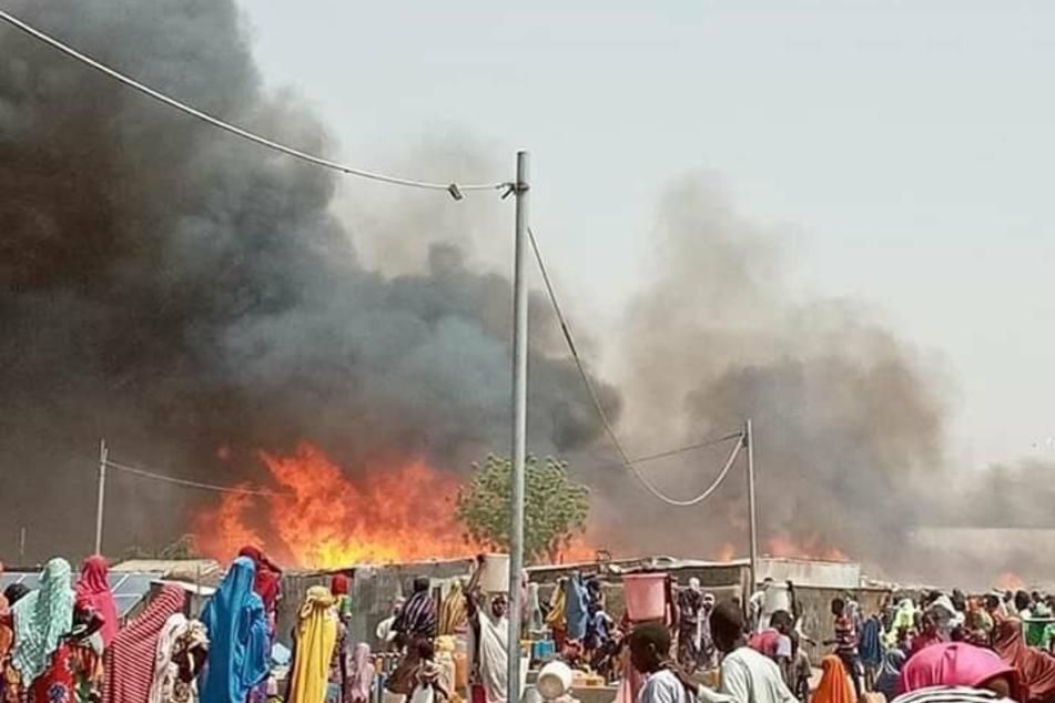 Mindestens 14 Menschen sind bei dem Feuer ums Leben gekommen.