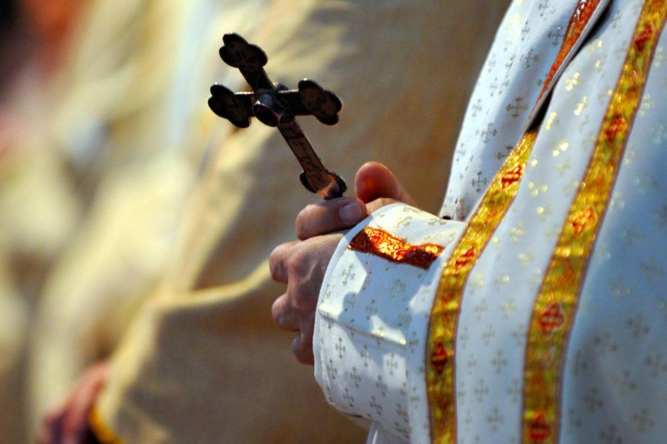 Rückfälliger Priester: Verurteilter Sexualtäter jahrelang von der Kirche geschützt