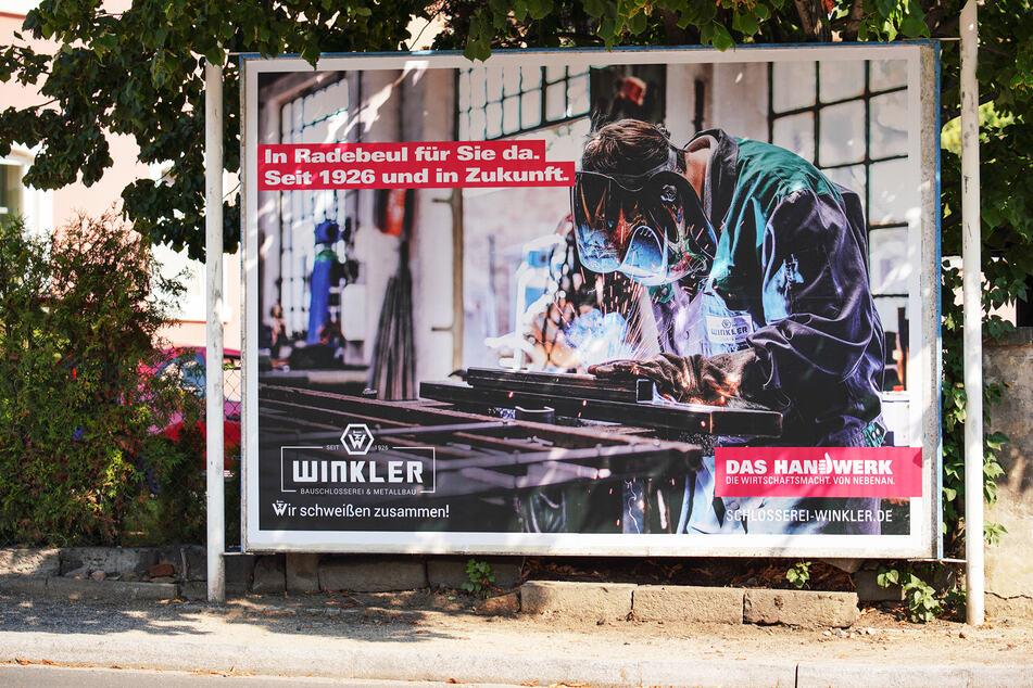 Dieses Plakat wurde im Umkreis der Metallmanufakur Winkler gleich mehrfach aufgestellt, um damit fürs gute alte Handwerk zu werben.