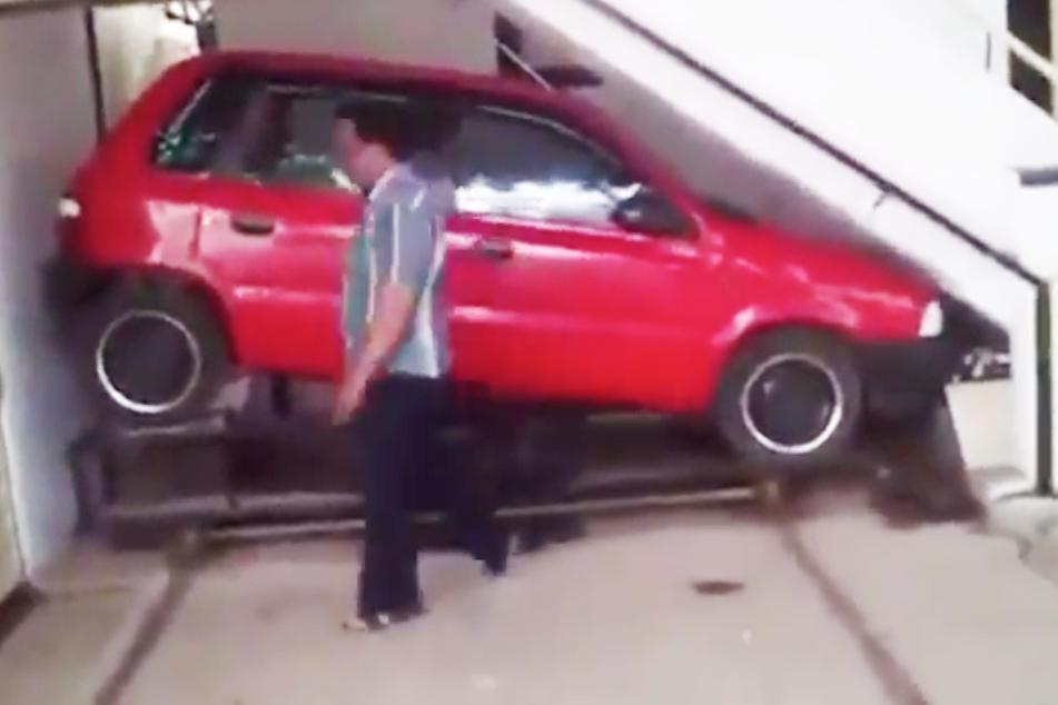 So kriegt dieser Mann immer einen Parkplatz vor seinem Haus