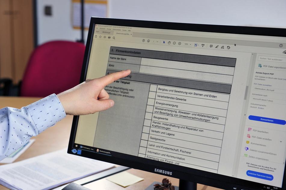 Mit solchen Fake-E-Mails wollen Betrüger Zugang zu Firmen-Computern bekommen.
