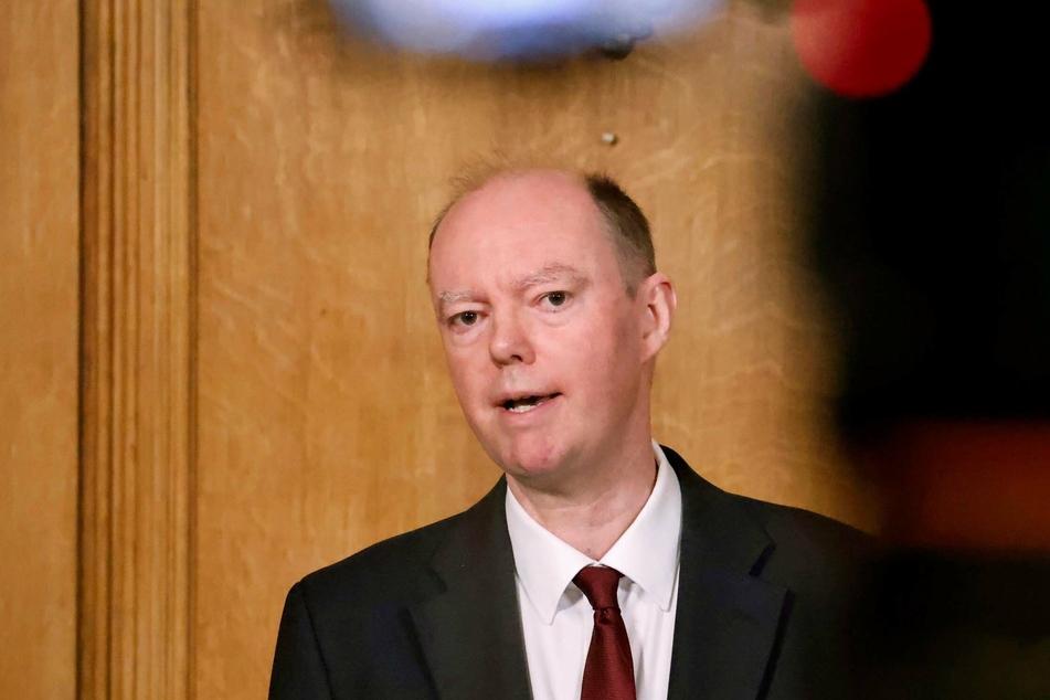 Chris Whitty, medizinische Berater der britischen Regierung, spricht während einer Pressekonferenz in Downing Street.