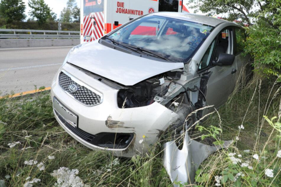 Das Fahrzeug endete im Straßengraben.